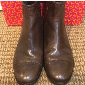 Tory Burch leather boots final Sale
